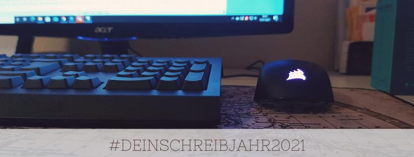 """Bildschirm und Tastatur mit dem Hashtag """"Dein Schreibjahr 2021"""""""